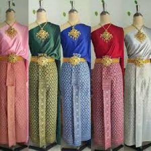 Nutchuta เดรสผ้าไทย