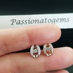 ต่างหูเพชร Dancing Diamond หมายเลข E04 เพชรเม็ดกลาง 5 ตัง เพชรนน.รวม 20 ตัง/คู่ ราคาปกติ 20,900 บาท ราคาพิเศษ 16,900 บาท 🎉🎉สนใจทัก https://line.me/R/ti/p/%40passiongems🎉🎉