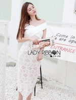 เสื้อผ้าแฟชั่นเกาหลี Lady Ribbon's Made Lady Rachel Off-Shoulder Cut-Out Cube Lace Bodycon Dress