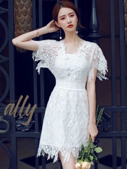 เสื้อผ้าแฟชั่นเกาหลี New Arrival.. Don't Miss!! Normal Ally Present Princess lace white dress