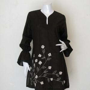 เสื้อผ้าฝ้ายปักมือลายดอกไม้