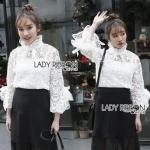 Vintage Lace Blouse เสื้อลูกไม้สไตล์โมเดิร์นวินเทจ