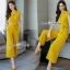 ผ้าพื้นสีเหลืองสวย ทรงปกสูทแขนสั้น เสื้อกระดุมตรงอก thumbnail 1
