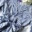 เสื้อเนื้อผ้าคอตตอนพิมพ์ลายริ้วคลาสสิคโทนสีฟ้า thumbnail 9