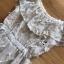 เดรสผ้าลูกไม้สีขาวทรงคอสูง thumbnail 7