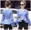 Blouse เสื้อผ้าคอตตอนลายทางสีน้ำเงินจับเดรป thumbnail 1
