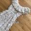 เดรสผ้าลูกไม้สีขาวทรงคอสูง thumbnail 9