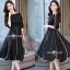 ชุดเดรสเกาหลีผ้าพื้นสีดำเสื้อคอปาดเอวขอบ thumbnail 2