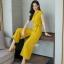 ผ้าพื้นสีเหลืองสวย ทรงปกสูทแขนสั้น เสื้อกระดุมตรงอก thumbnail 2