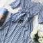 เสื้อเนื้อผ้าคอตตอนพิมพ์ลายริ้วคลาสสิคโทนสีฟ้า thumbnail 8