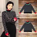 เสื้อสเวตเตอร์ลายโมโนแกรมคอเต่าลายทางริ้วแดงเขียว งานแบรนด์ Gucci ดีเทลเนื้อผ้า Knitting Polyester 100% ทอเนื้อนุ่มแน่นเกรดพรีเมี่ยมอย่างดี สวมใส่สบายไม่ย้วย