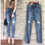 กางเกงยีนส์แฟชั่นกางเกงยีนส์เอวสูง รุ่นนี้ฟอกสีสวยมาก ผ้ายีนส์เนื้อแน่น