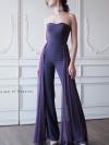 จัมป์สูทเกาะอกสไตล์ Haute Couture ตัวยาวสวยสง่า แต่งแถบชีฟองขนาบสองข้าง มีความพลิ้วไหว ในตัว เนื้อผ้าหนาทิ้งตัว ใส่ซิปซ่อนด้านหลัง พร้อมยางเสริมข่วยกระชับ มีซับในกางเกง