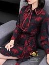 ชุดเดรสแฟชั่น เดรสเกาหลีเดรสผ้าหางกระาอกพิมลาย ที่คอแต่งโบกุ๊นขอบด้วยผ้าสีแดง