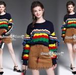 เสื้อไหมพรมเกาหลี ผ้าไหมพรมเนื้อนุ่มยืดได้ใส่สบาย ตัวเสื้อสีกรม ตรงอกและแขนทอเป็นระบายหยักๆ เป็นสีๆ เสื้อทรง sweater สวยใส่แมทกับท่อนล่างได้กับทุกแบบเลยจร้า สวยน่ารักมากๆ นะคะ