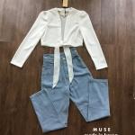 เซ็ตเสื้อแขนยาวสีขาวด้านหน้าแต่งโบว์ผูกช่วงเอว ใส่คู่กับกางเกงขายาวเอวสูง แซ่บมากๆค่า