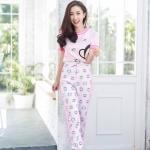 เซตเสื้อสีชมพูอ่อนตัดขอบชมพูเข้มสุดหวานแหว๋ว มาคู่กับกางเกงลายสุดน่ารัก คือดีมากตัวนี้ จองเลย