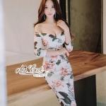 ชุดเดรสแฟชั่น เดรสเกาหลี คอปาดทรงบอดี้คอนเข้ารูป ลายดอกไม้ สีครีมออ่น มีฟองน้ำเสริมหน้าอก