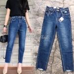 กางเกงยีนส์ทรงบอยรุ่นใหม่มาให้จัดกันน๊าา แพทเทินเกาหลีเป๊ะทุกจุด แต่งขาดนิดๆช่วงกระเป๋าหน้าหลัง เ