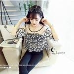 เสื้อแฟชั่นเกาหลีเสื้อซีทรู แต่งเย็บติดลวดลายเส้นสีดำแต่งข้างใน
