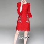 ชุดเดรสแฟชั่น เดรสเกาหลีเดรสลูกไม้โทนสีแดง แขนต่อระบายด้วยผ้าชีฟองสีพื้น
