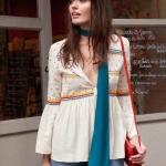 เสื้อโทนสีครีม แพทเทิร์นน่ารักมากค่ะ ปักลายจุดสีสันสดใส ตัดกับสีเสื้อลงตัว เนื้อผ้าอย่างดี ใส่สบาย แมทกับกางเกง หรือกระโปรงได้หมดค่า
