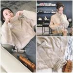 เสื้อไหมพรม knitting คอเต่าเกรดดี ทอลายไขว้อย่างสวยย ใช้ knitting เส้นใหญ่ ทอหนาแน่น ผ้าค่อนข้างหนา ใส่ออกมาดูน่ารักก มากค่ะ