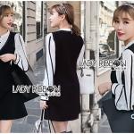 เซ็ตเสื้อเชิ้ตผ้าเครปสีขาวและเดรสแขนกุดสีดำ ลุคนี้ออกแนวคุณหนูนิดๆ เซ็ตนี้เป็นแบบเข้าชุด ตัวเสื้อด้านในเป็นผ้าเครปสีขาว ทรงเชิ้ตปกสั้น ติดกระดุม แขนเสื้อตกแต่งลายเส้นสีดำ