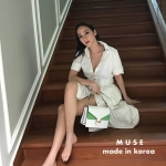 ชุดเดรสแฟชั่น เดรสเกาหลีเดรสลายทางทางสีขาวคอปก ช่วงแขนพับเบิ้ลเป็นทรงสวย
