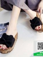รองเท้าแตะส้นเตารีดสีดำ พื้นเบาและนิ่มมา (สีดำ )