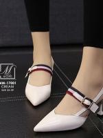 รองเท้าคัทชูส้นสูงสีขาว หัวแหลม เว้าข้าง (สีขาว )