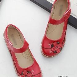 รองเท้าคัทชูเพื่อสุขภาพ หัวกลม แต่งดอกไม้ (สีแดง)