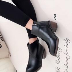 รองเท้าบูทผู้หญิง ส้นสูง แต่งซิปข้าง (สีดำ )