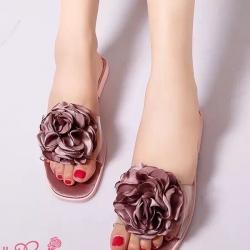 รองเท้าแตะสีชมพู งานนำเข้าพื้นPU ดีไซน์ประดับดอกไม้ซาติน น่ารักๆ งานดูคุณนู๋มากๆค่ะ งานสวย