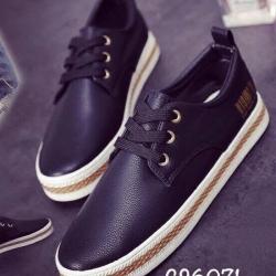 รองเท้าผ้าใบแฟชั่น งานหนังอย่างดี แบบเชือก ทรงสวย (สีดำ )