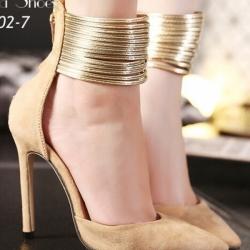 รองเท้าคัทชูสีครีม ส้นเข็ม หรู วัสดุผ้า แต่งซิปหลัง ใส่ง่าย เว่อร์ ตกแต่งเสริมคาดข้อเท้าด้วยหนังปรอททอง สูง4นิ้ว