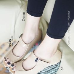 รองเท้าส้นเตารีด หุ้มส้น ลายชิโนริ (สีครีม )