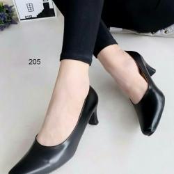 รองเท้าคัทชูส้นสูง หัวตัด ทรงสุภาพ (สีดำ)