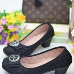 รองเท้าคัทชูส้นตัน หัวตัด ผ้าบุนวม (สีดำ )