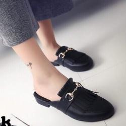 รองเท้าส้นเตี้ย เปิดส้น หนังนิ่ม แต่งภู่ส Style GUCCI (สีดำ )