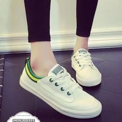 รองเท้าผ้าใบสีขาวขอบฟ้า สไตล์แบรนด์.Volley ที่เหล่าดาราทั่วโลกนอยมใส่กันมาก ไม่มีไม่ได้แล้ว