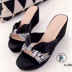 รองเท้าแตะ ส้นเตารีด แบบสวม ลายเสือ (สีดำ )