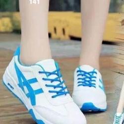รองเท้าผ้าใบ สไตล์แบรนด์Onisuka (สีฟ้า )
