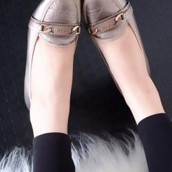 รองเท้าคัทชูส้นเตารีด หัวตัด หนังนิ่ม เรียบหรูดูดี (สีเทา )