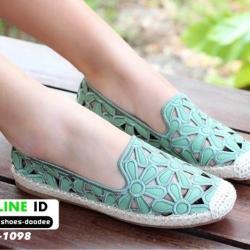 รองเท้าส้นแบน หนังนิ่มฉลุลายดอกไม้ 319-1098-GRN [สีเขียว]