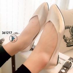 รองเท้าคัทชูส้นแบน หน้าV สไตล์ZARA (สีทอง )