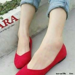 รองเท้าคัชชู สไตล์แบรนด์ZARA หนังกำมะหยี่นิ่ม (สีแดง )