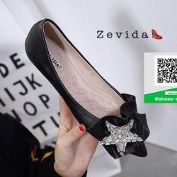 รองเท้าคัทชูส้นแบนสีดำ หัวแหลม ติดอะไหล่ดาว (สีดำ )