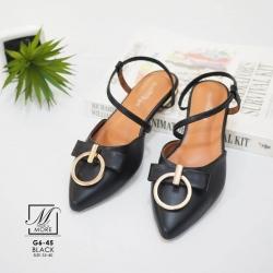 รองเท้าส้นเตี้ยหัวแหลมสีดำ รัดส้น ดีเทลอะไหล่ห่วงทองด้านหน้า (สีดำ )