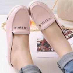 รองเท้าส้นตึกสีชมพู ลำลองแบบเสริมส้น สกีนลายสวยมากๆ หนังนิ่ม เกรดเอ พิ้นยางอย่างดี หน้า1หลัง3นิ้ว
